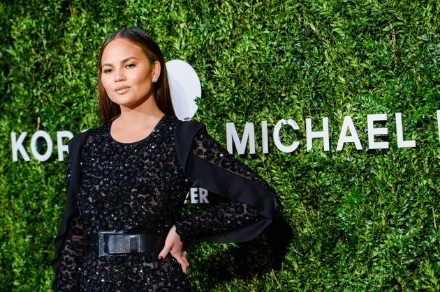 Chrissy Teigen Slams Trump For Demanding 'Hamilton' Cast Apologize To Mike