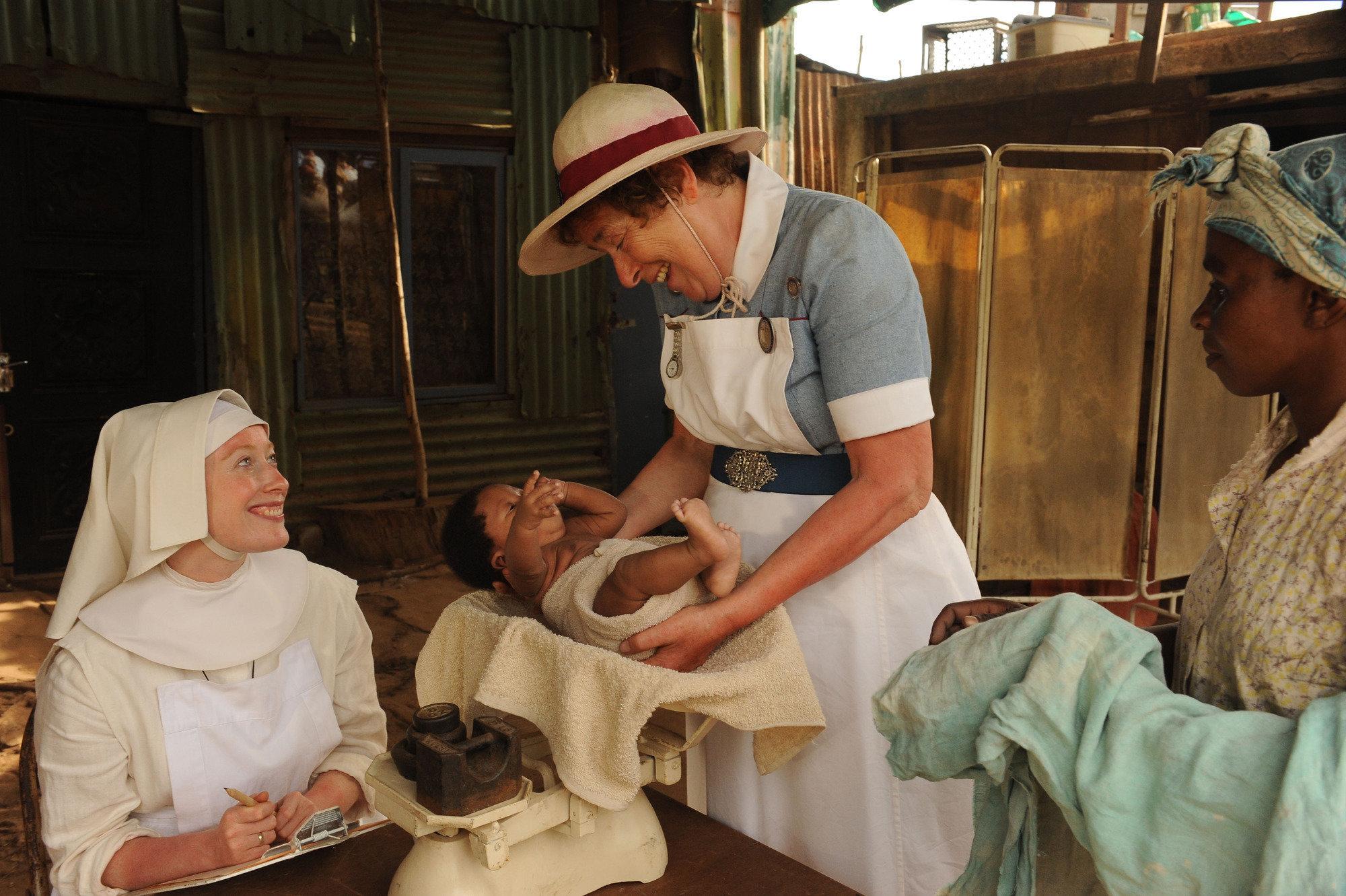 Sister Winifred (Victoria Yeates) and Nurse Crane (Linda