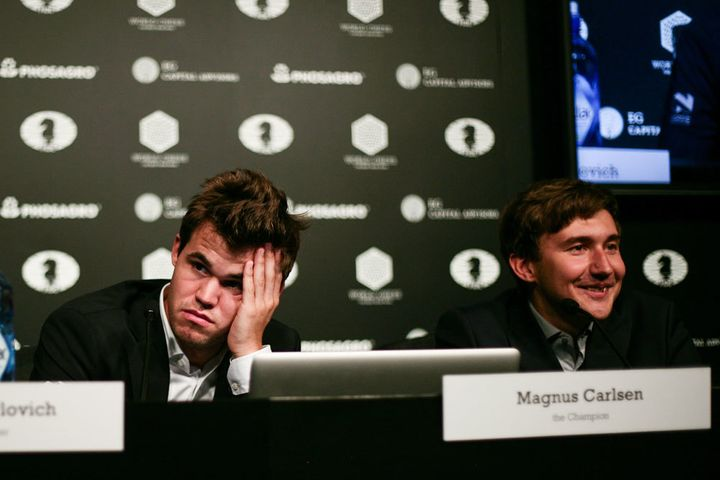 A disappointed Magnus Carlsen (and an ebullient Sergey Karjakin) after game 5