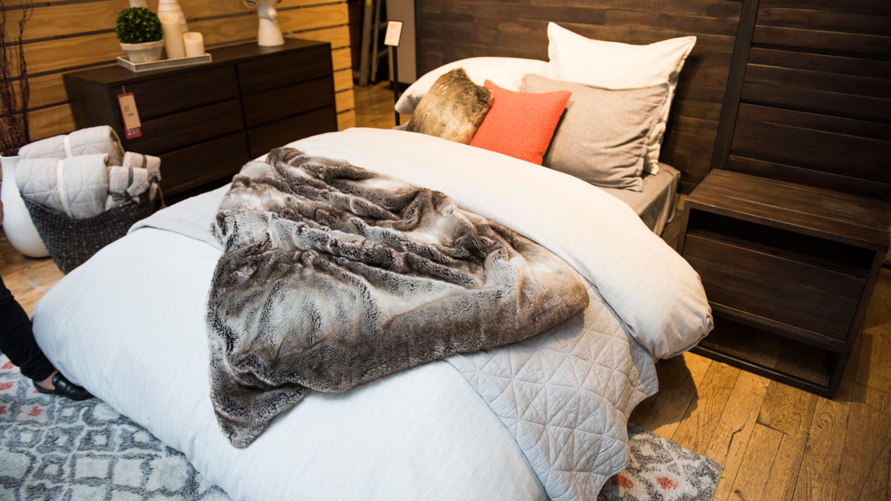 These Tricks Will Make Your Bed Look Like A Dreamy Store