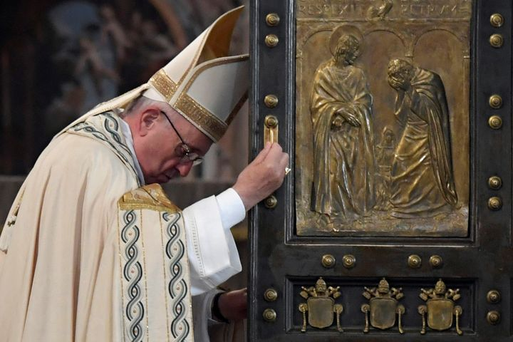 Pope Francis closes the Holy Door to mark the closing of the Catholic Jubilee Year of Mercy in the Saint Peter's Basilica at