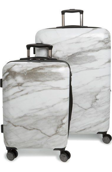 """CALPAK Astyll 30 Inch Spinner & 22 Inch Spinner Luggage Set, $265 at<a href=""""http://fave.co/2f3d9Zz"""" target=""""_blank"""