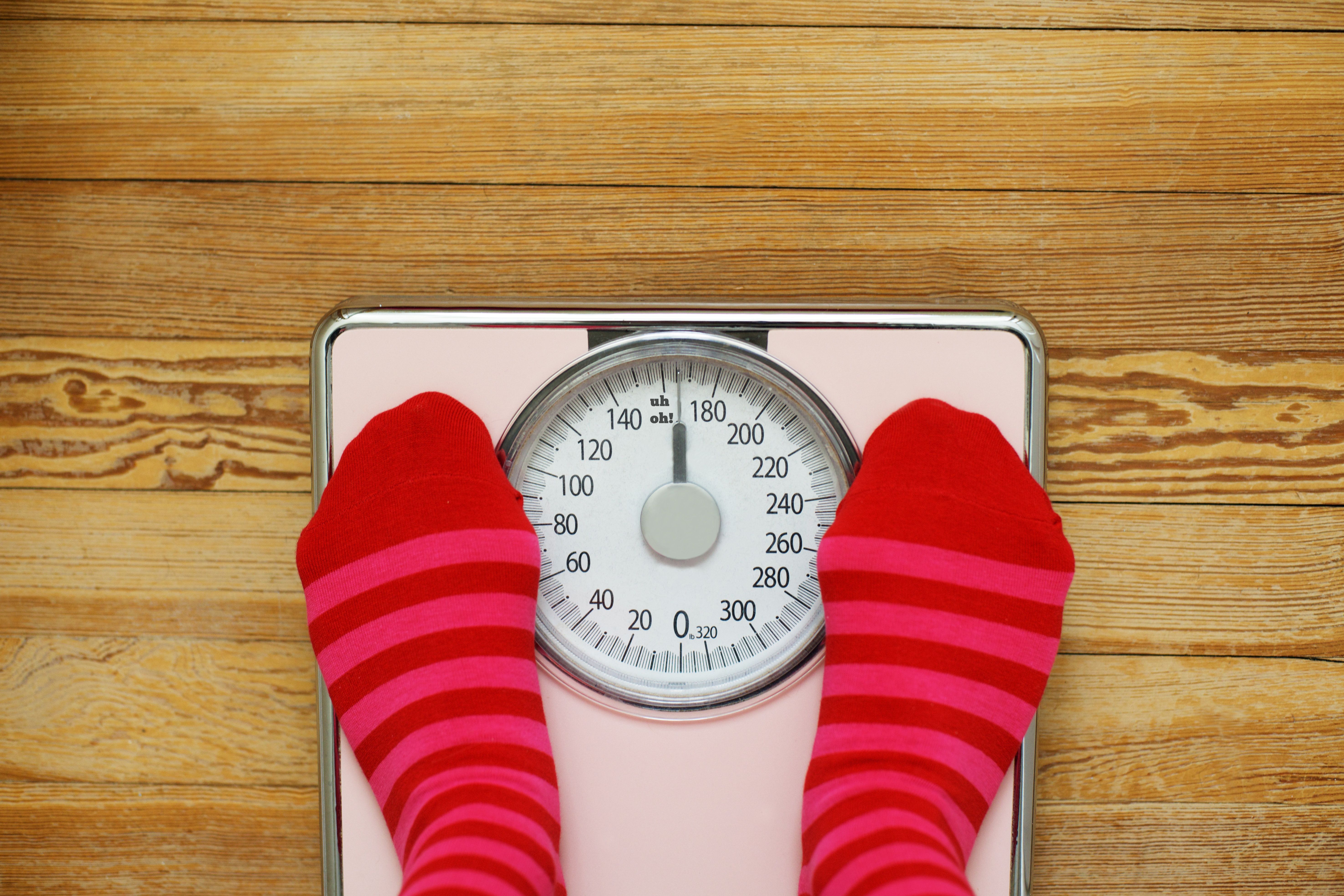 Normal weight women who gained or lost more than 10 pounds over the course of a decade were at an increased risk of dying of