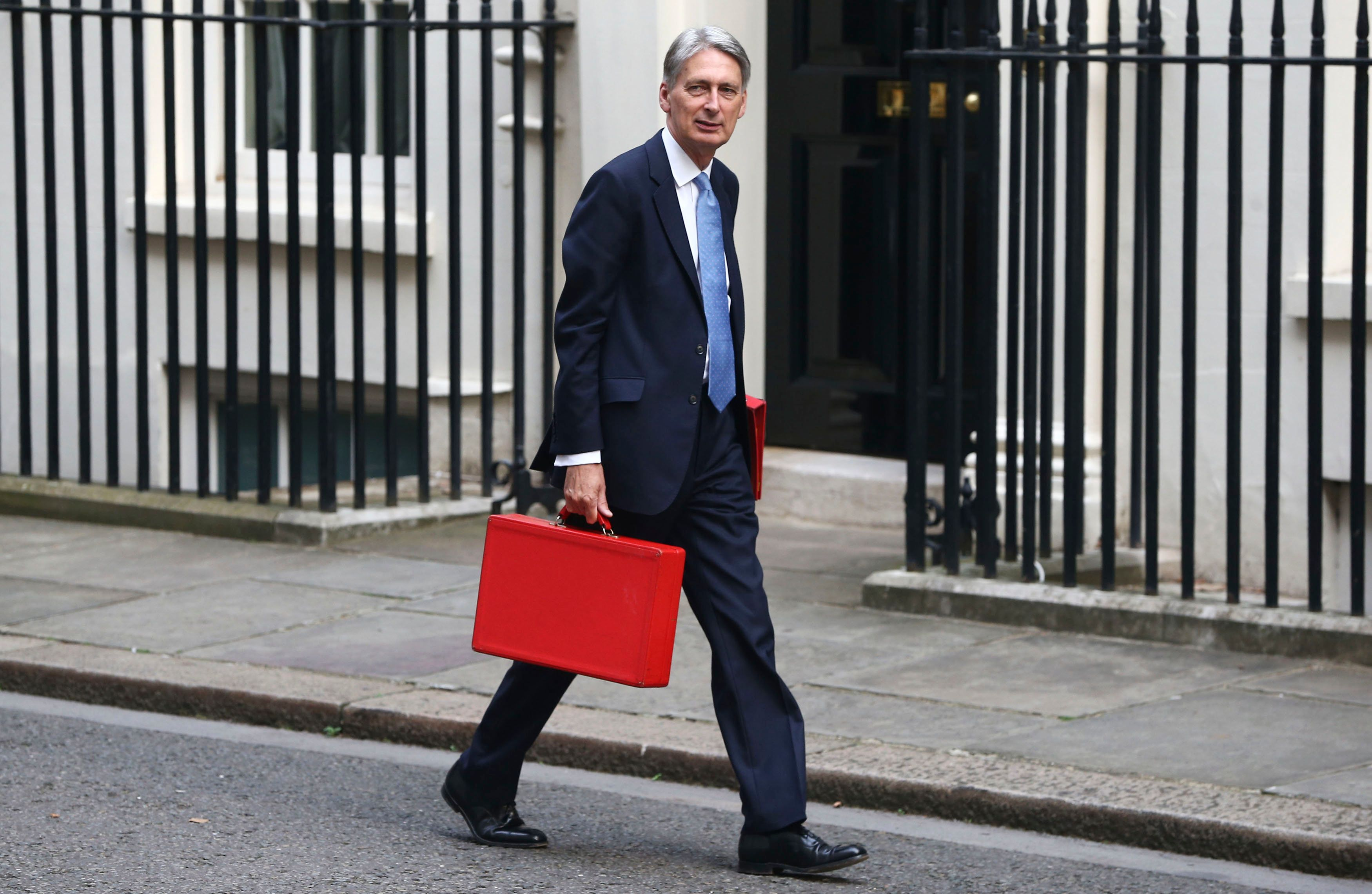 Letting Fees Banned In Autumn Statement In £300 Boost To 'Generation