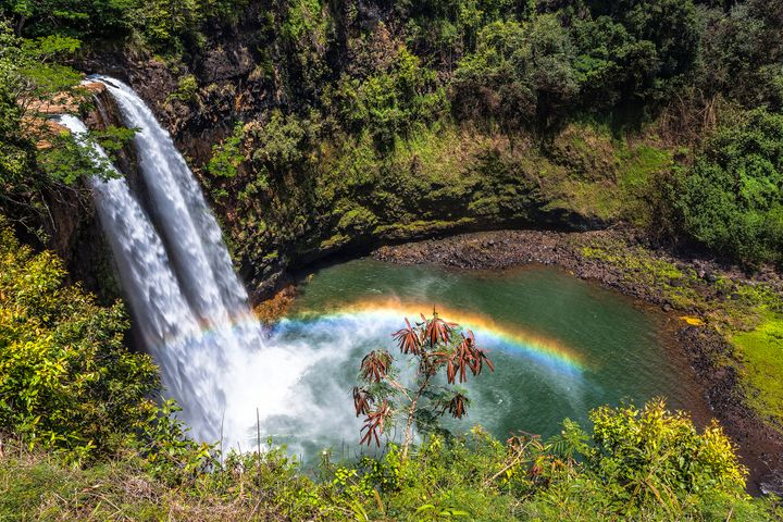 Rainbows aren't a rarity at Wailua Falls.