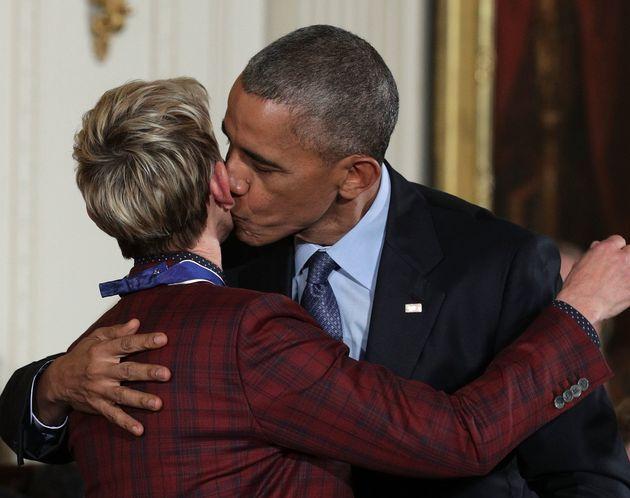 Ellen DeGeneres Honoured By Barack Obama For LGBT 'Courage', Celebrates With Incredible Mannequin