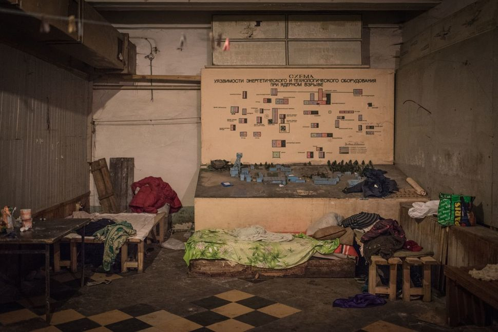 A miniature model of the coal mine sits in one of the bunker's rooms. Due to its vicinity to the front lines, the coal