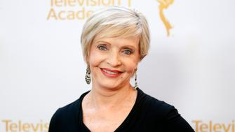 Actress Florence Henderson poses at the Television Academy's Performers Peer Group cocktail reception to celebrate the 66th Primetime Emmy Awards in Beverly Hills, California July 28, 2014.   REUTERS/Danny Moloshok   (UNITED STATES - Tags: ENTERTAINMENT)