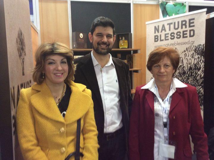 <p>Dr. Eleni Melliou, Dr. Prokopios Magiatis and Ioanna Damianaki.</p>