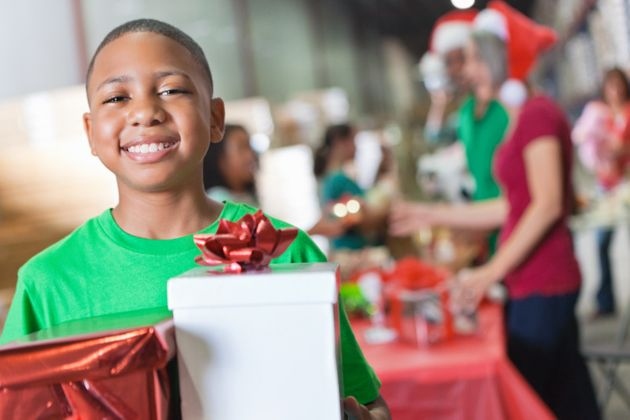 Volunteering At Christmas: Help Change Lives With These Amazing ...