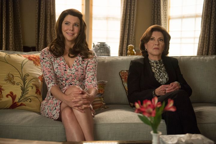 """Lorelai (left) and Emily see a therapist to work through their grief and rocky relationship in """"Gilmore Girls: A Year In The Life."""""""