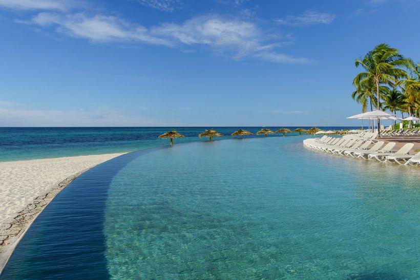 <strong>Grand Lucayan—Grand Bahama Island</strong>