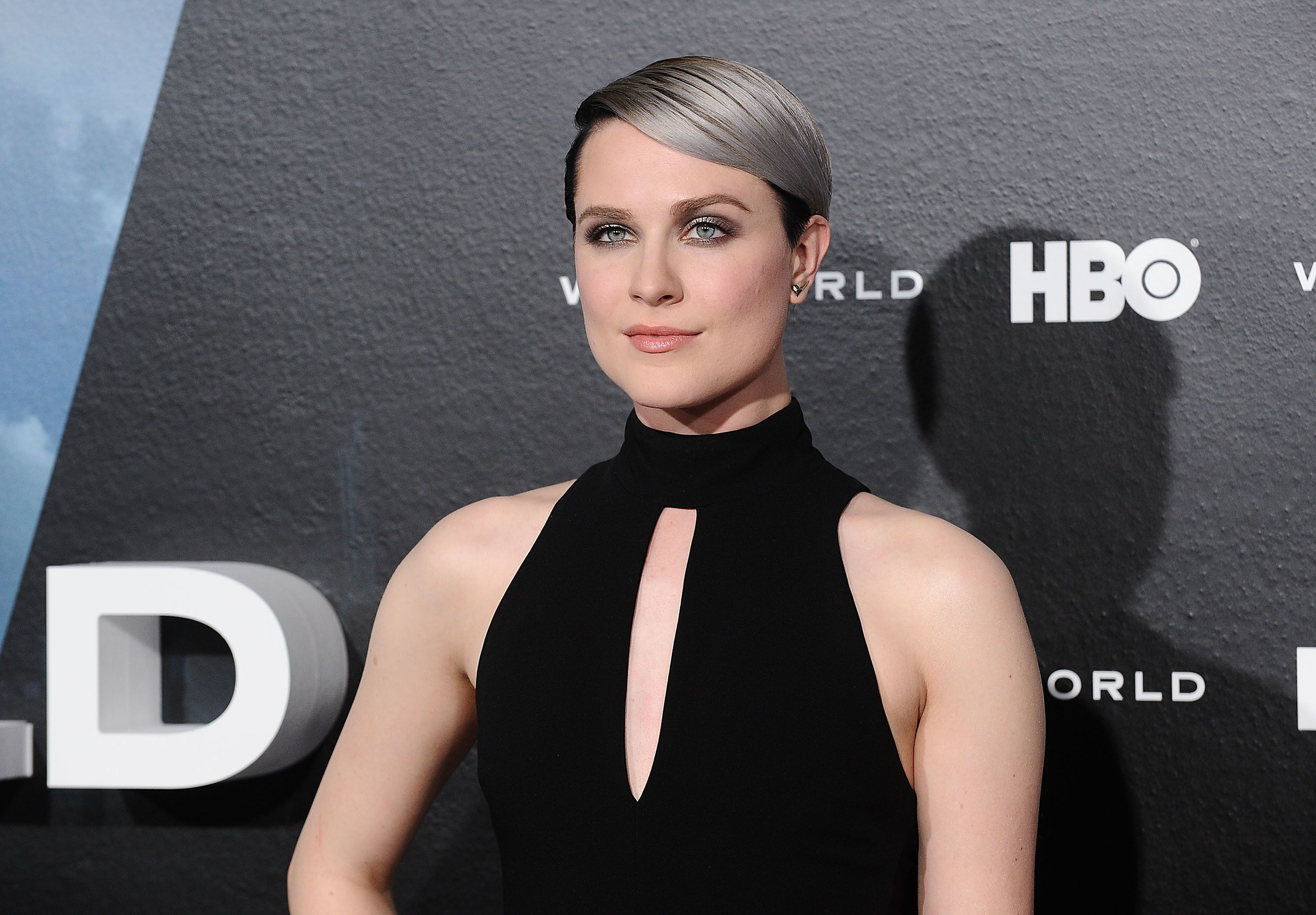 HOLLYWOOD, CA - SEPTEMBER 29:  Actress Evan Rachel Wood attends the premiere of 'Westworld' at TCL Chinese Theatre on September 28, 2016 in Hollywood, California.  (Photo by Jason LaVeris/FilmMagic)