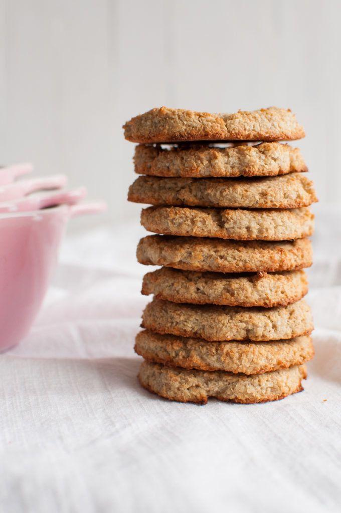 """<strong>Get the <a href=""""https://thequeenofdelicious.com/en/3-ingredient-coconut-cookies/"""" target=""""_blank"""">3-Ingredient Cocon"""