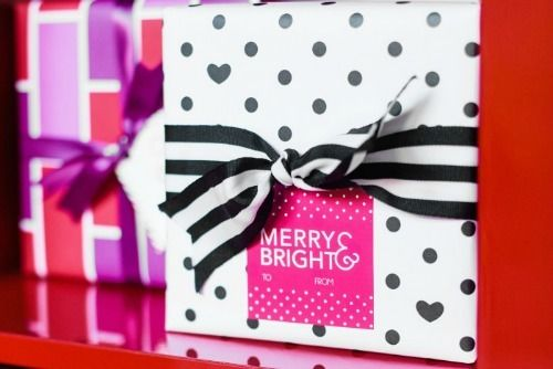 Dress up your gifts and give them a few extra hugs and kisses with a Merry & Bright gift tag.
