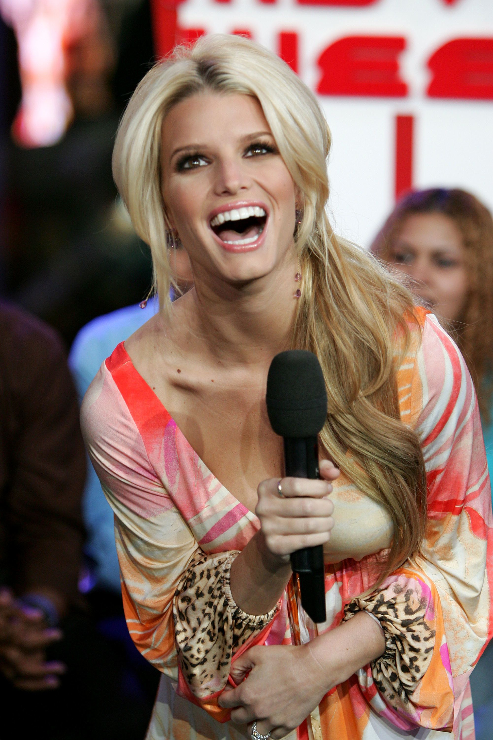 NEW YORK - NOVEMBER 29:  (U.S. TABS OUT)  Singer Jessica Simpson appears on stage during MTV's Total Request Live on November 29, 2004 at the MTV Times Square Studios, in New York City. (Photo by Peter Kramer/Getty Images)
