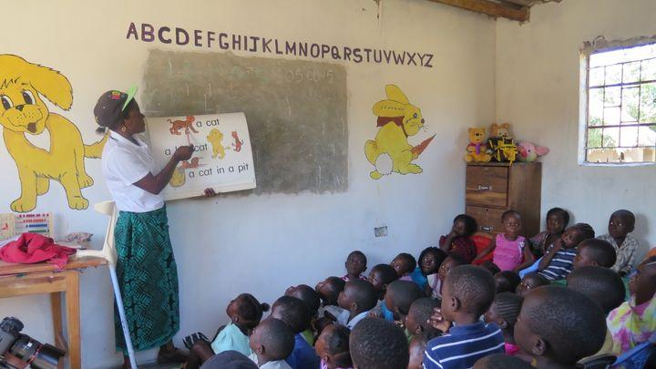 <p>Class at an ECD Center in Zambia</p>