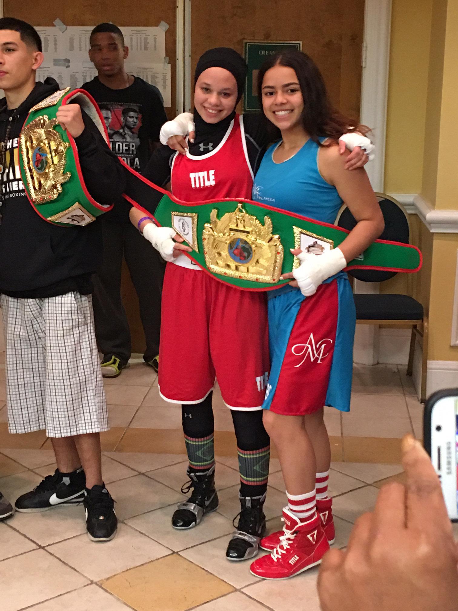 Amaiya Zafar (left) poses withAliyah