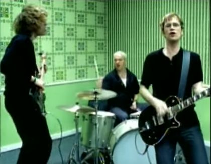 Semisonic performs in the video for