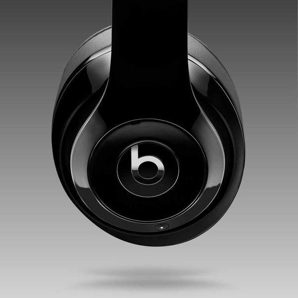 "<a href=""http://www.apple.com/shop/product/MHAJ2AM/B/beats-studio-wireless-over-ear-headphones-matte-black?cid=app_Beats_Stud"
