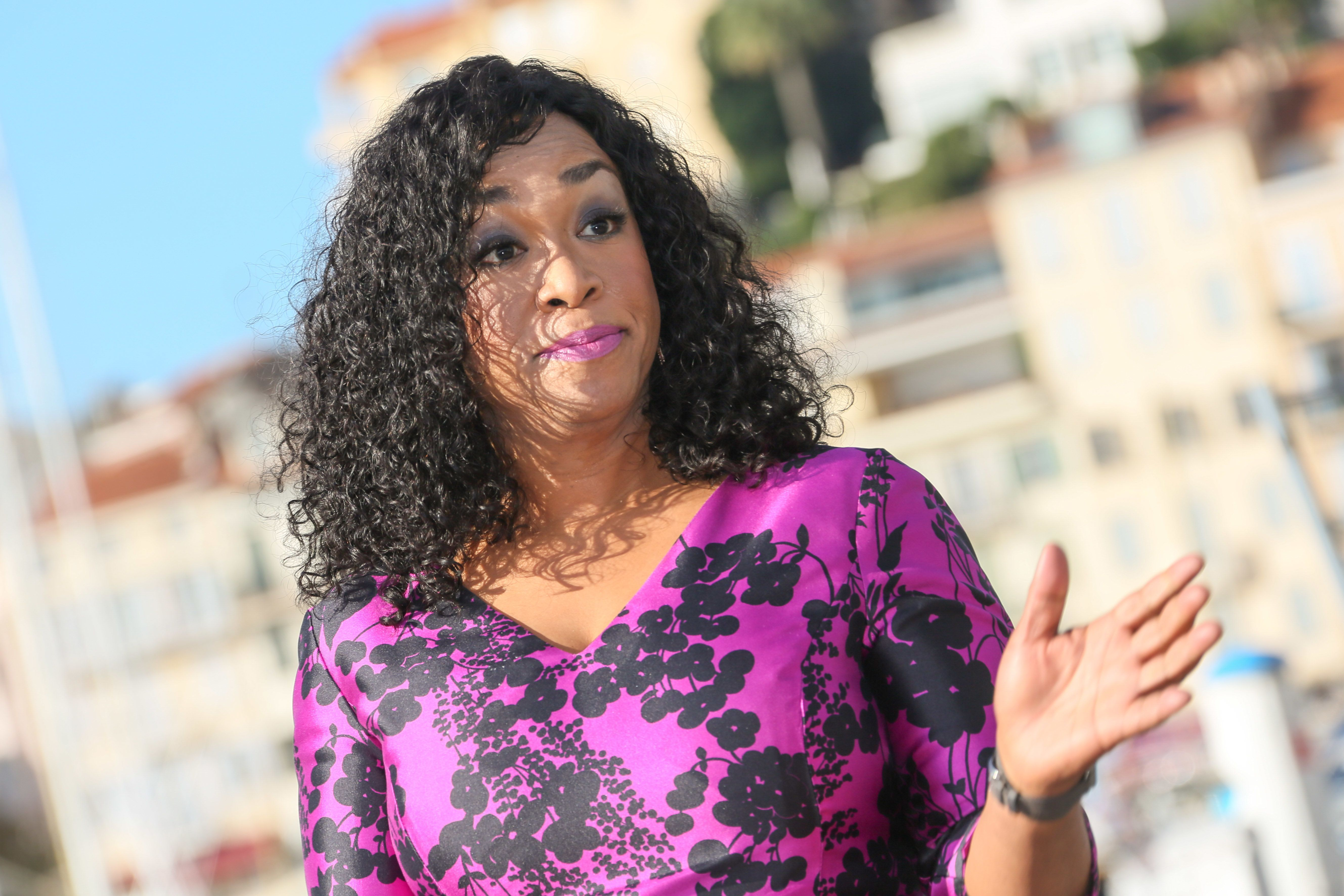 CANNES, FRANCE - OCTOBER 18:  Shonda Rhimes attends Photocall for 'Shondaland' as part of MIPCOM at Palais des Festivals on October 18, 2016 in Cannes, France.  (Photo by Tony Barson/FilmMagic)