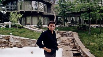 THE JOHNNY CASH SHOW - At Home Layout - Shoot Date: May 1, 1969. (Photo by ABC Photo Archives/ABC via Getty Images) JOHNNY CASH