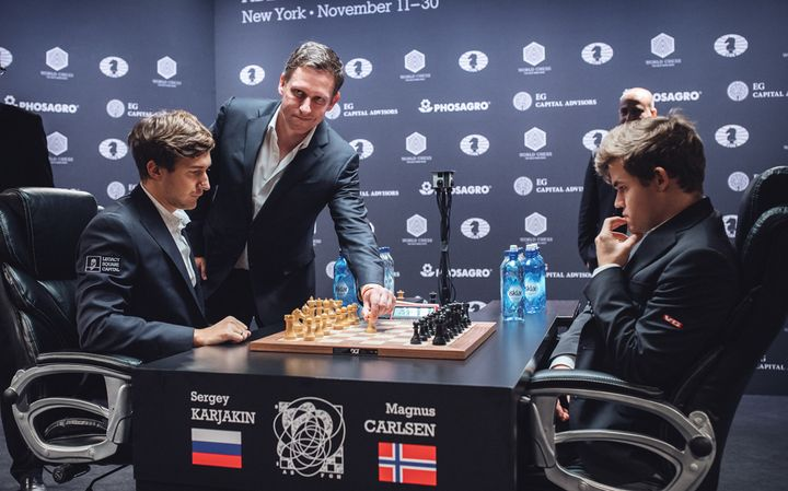 Peter Thiel plays the first move of the tiebreak