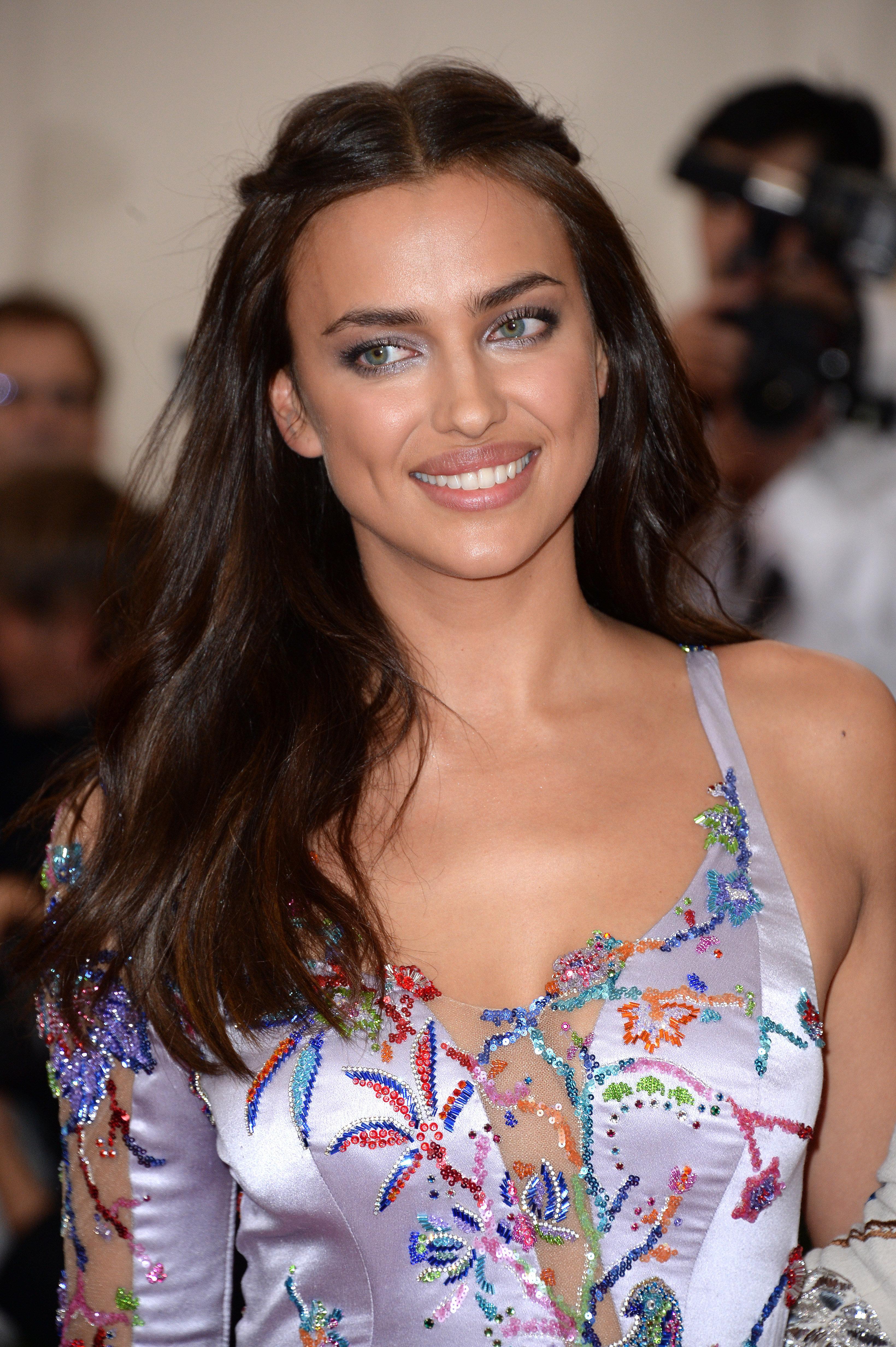 Victoria's Secret Model Irina Shayk 'Expecting First Child' With Bradley