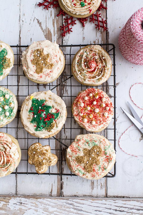"<strong>Get the <a href=""http://www.halfbakedharvest.com/easy-slice-n-bake-vanilla-bean-christmas-sugar-cookies-wwhipped-butt"