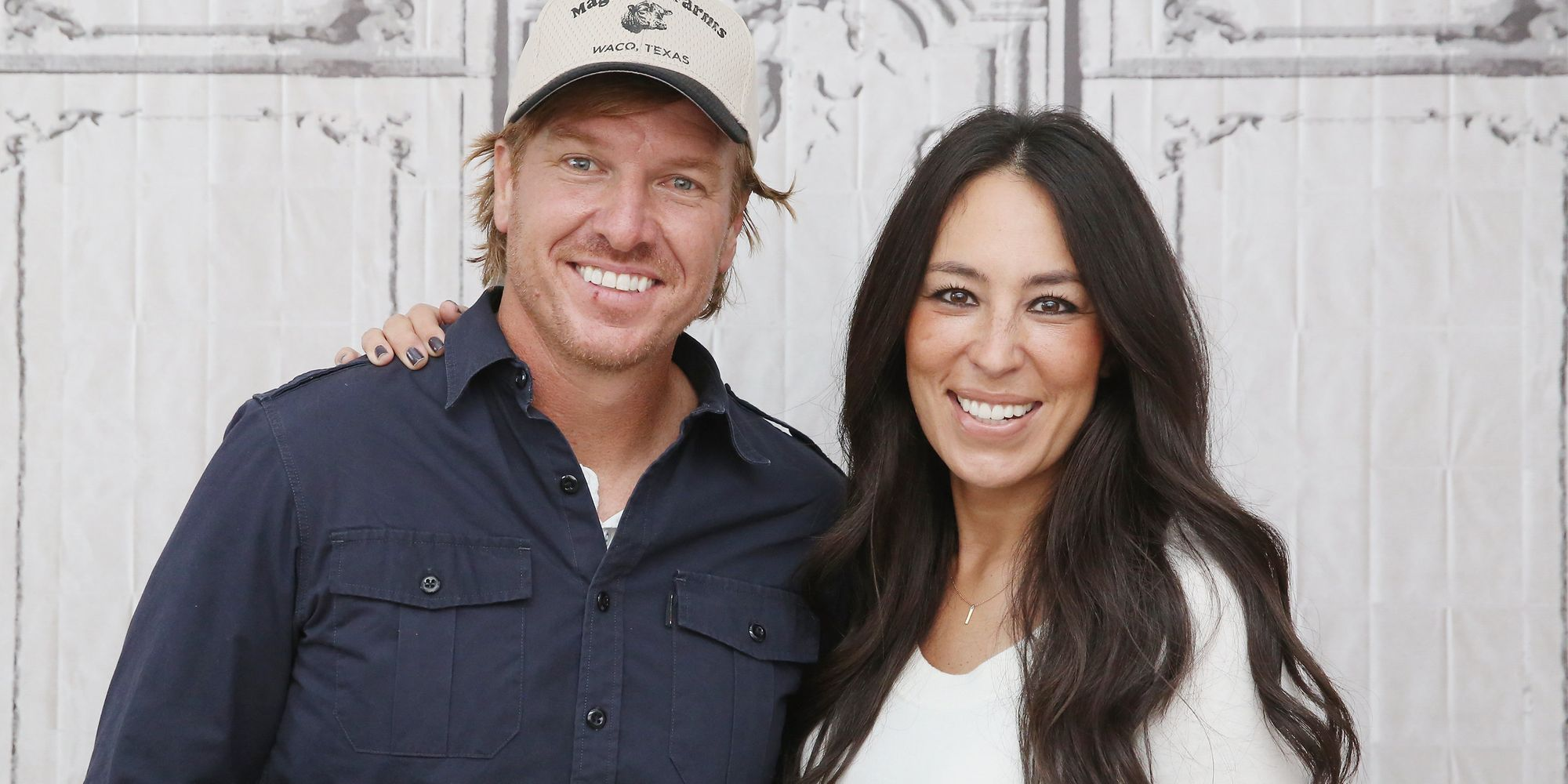 hgtv responds to chip and joanna gaines 39 anti gay church controversy the huffington post. Black Bedroom Furniture Sets. Home Design Ideas