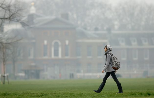 London mayor issues air pollution alert for 1st time