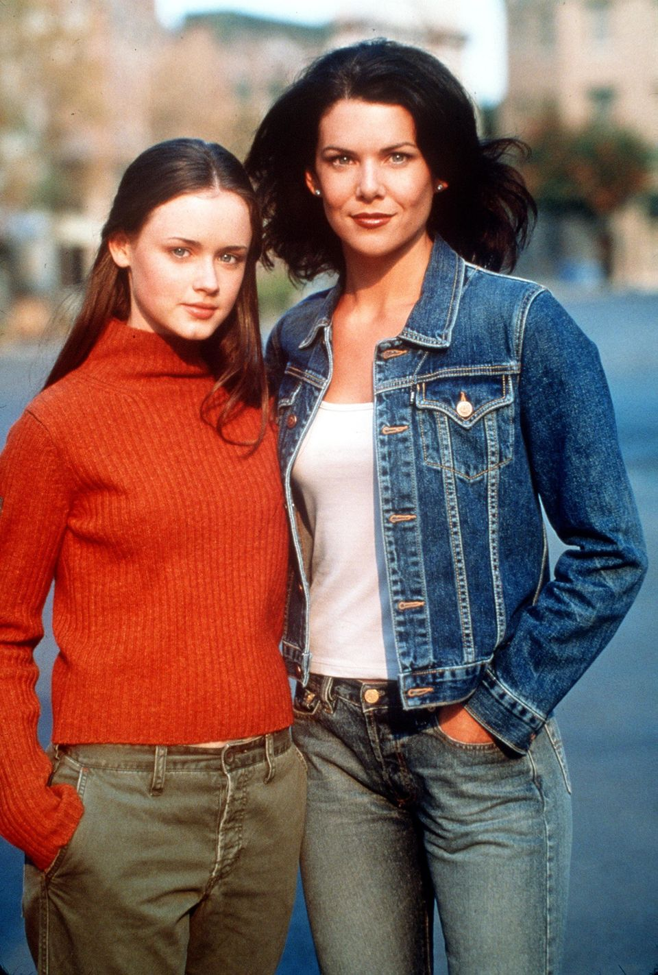 "Alexis Bledel and Lauren Graham pose for the ""Gilmore Girls"" pilot in 2000. (Photo by Warner Bros)"