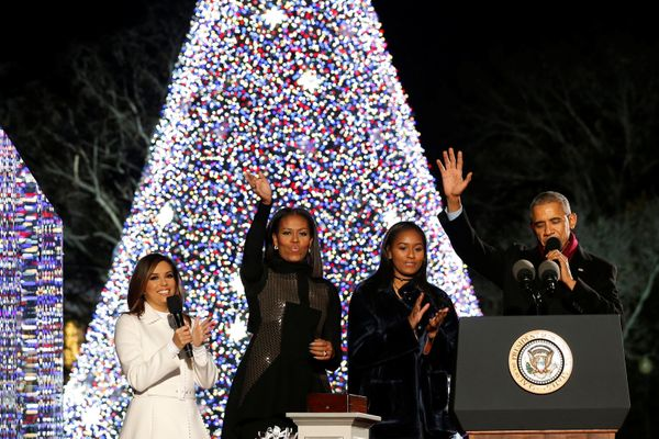 Host Eva Longoria joins the Obamas in greeting the crowd gathered for the  tree-lighting - The Obamas Light Their Last Christmas Tree As The First Family