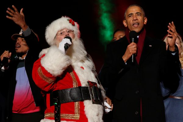 """President Obama sings """"Jingle Bells"""" with Santa Claus and Chance the Rapper."""