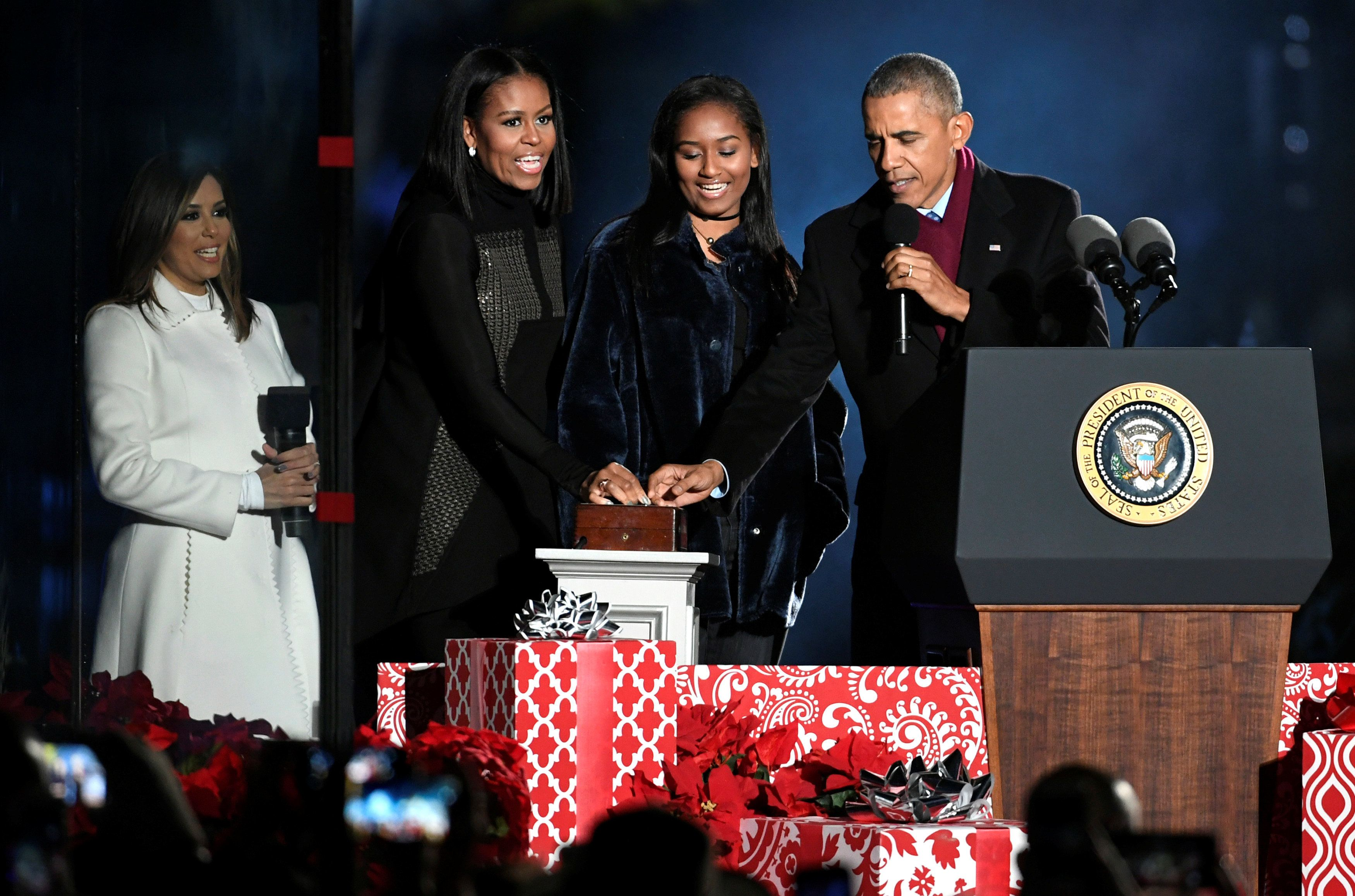 Obama Merry Christmas Greeting Picturesque Sunny | www.picturesboss.com