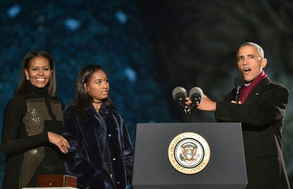 Michelle, Sasha and Barack Obama.