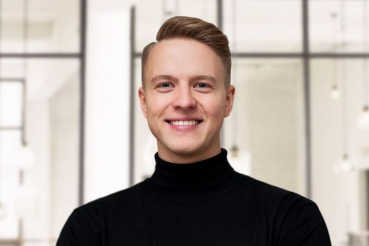 """<p>Matas Jakutis is a co-founder of <a href=""""https://www.filippoloreti.com/"""" target=""""_blank"""" role=""""link"""" rel=""""nofollow"""" data-ylk=""""subsec:paragraph;itc:0;cpos:__RAPID_INDEX__;pos:__RAPID_SUBINDEX__;elm:context_link"""">Filippo Loreti</a>, a watch brand that focuses on creating exceptional luxury watches at an irresistible price.</p>"""