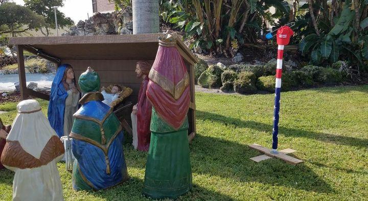 "The anti-Trump ""Distresstivus"" Pole in Deerfield Beach, Florida."