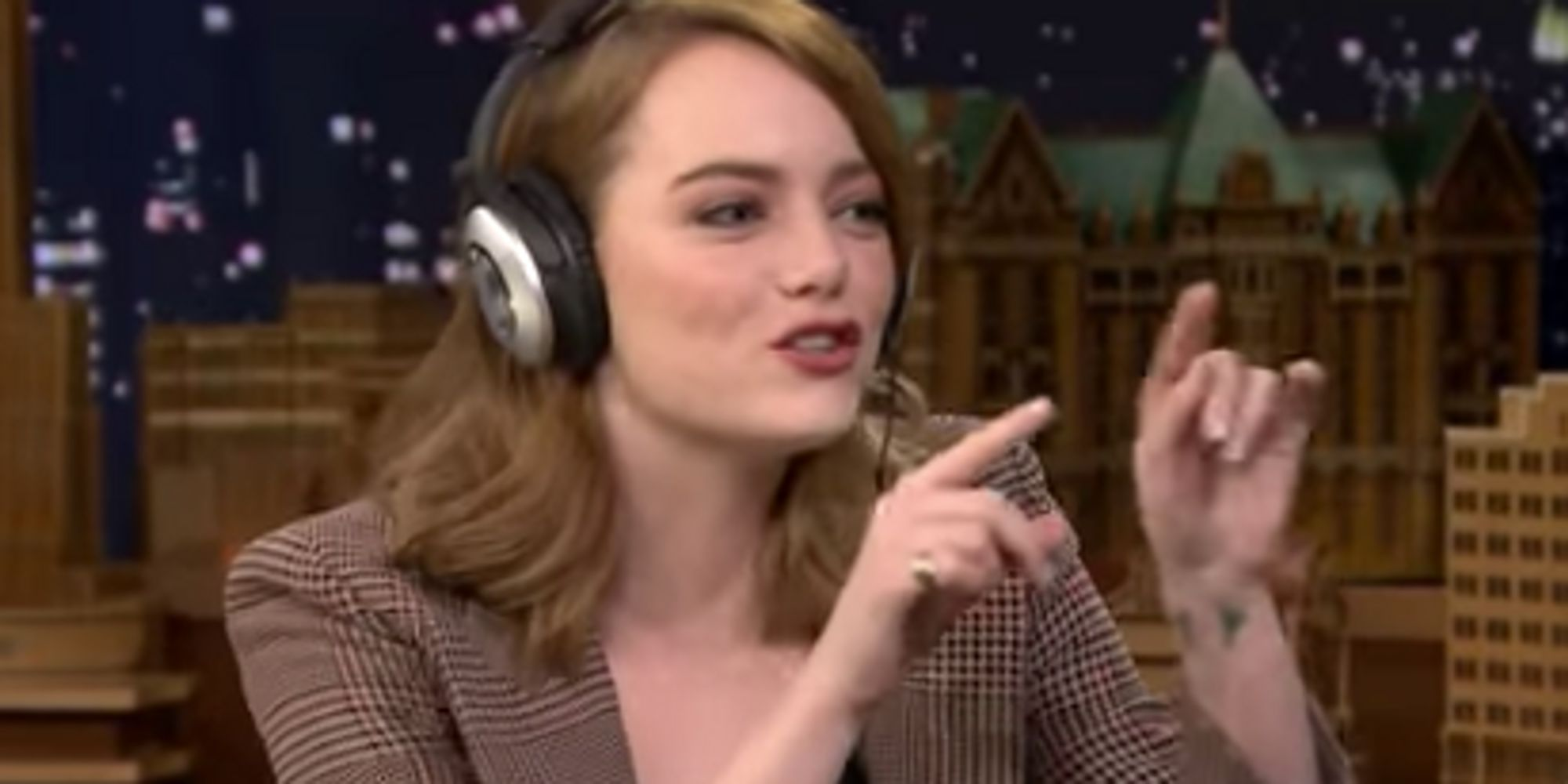 Emma Stone Hilariously Fails Jimmy Fallon's 'Singing Whisper Challenge'