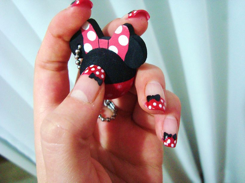 French nails design to celebrate Minnie Mouse
