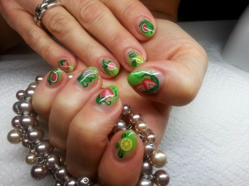 Have fun decorating nails in fruitful fashion