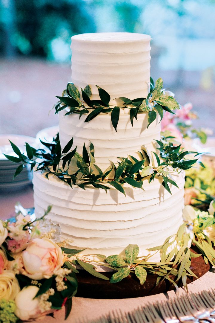 new wedding cakes 2017 the 17 wedding trends for 2017 huffpost 17819