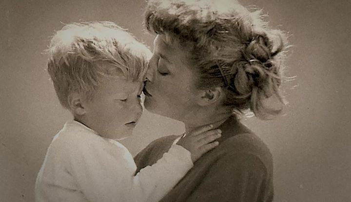 """Young Jeff Bridges with his mother, Dorothy.""""We had such a wonderful relationship,"""" he says."""