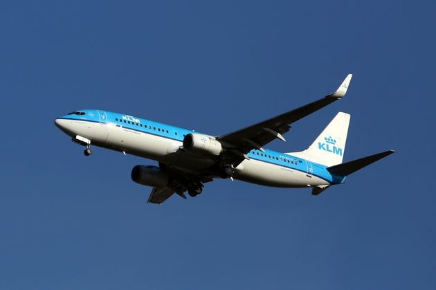 A KLM pilot suffered a heart attack while taxiing to the runway at Glasgow