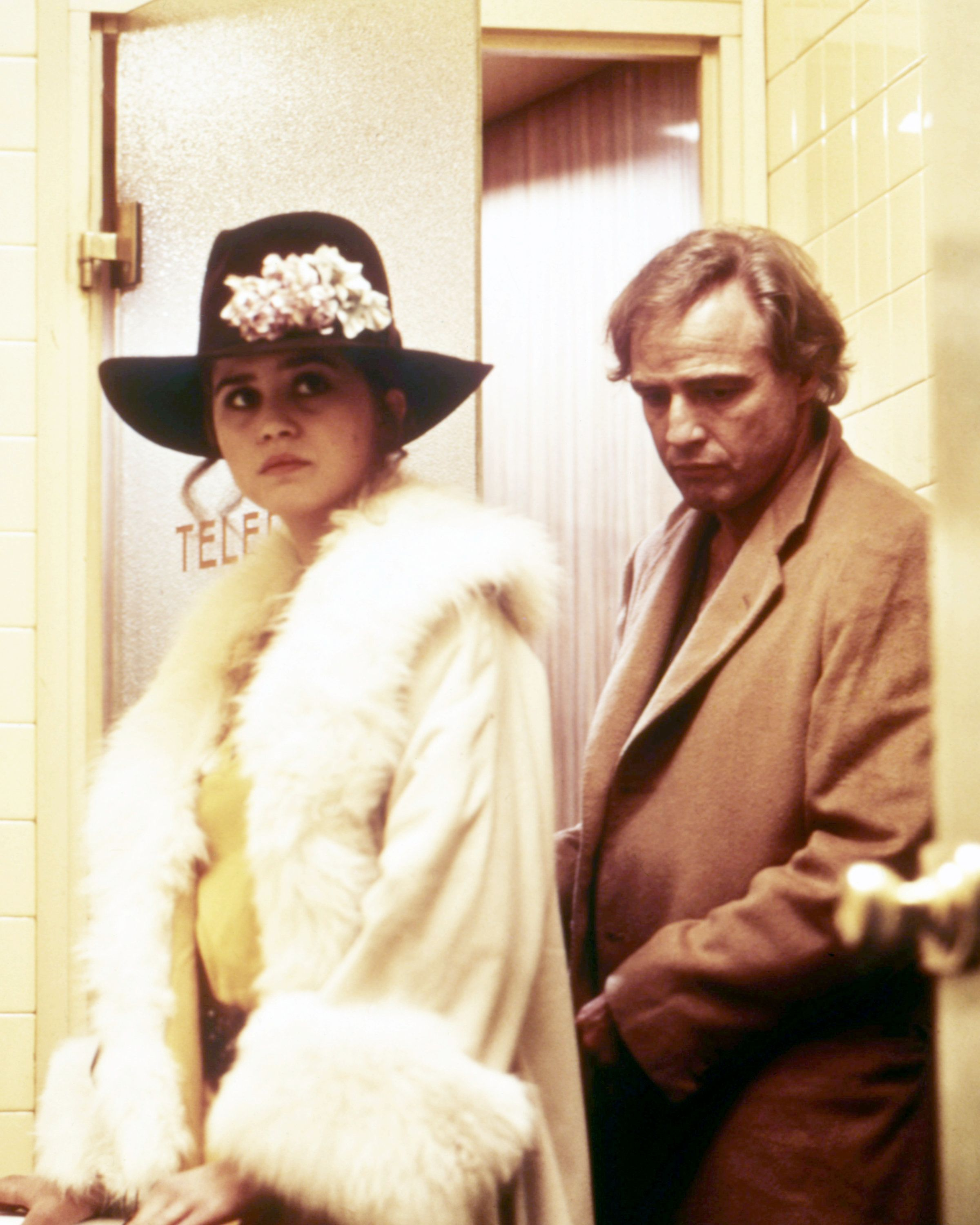 American actor Marlon Brando (1924 - 2004), as Paul, and French actress Maria Schneider (1952 - 2011) as Jeanne, in 'Last Tango In Paris', directed by Bernardo Bertolucci, 1972. (Photo by Silver Screen Collection/Getty Images)