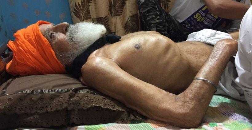 Bapu Surat Singh Khalsa at home in Hassanpur, Punjab during his hunger strike.