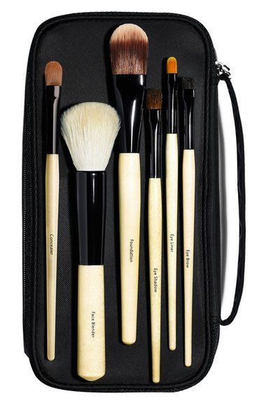 "Bobbi Brown basic brush sollection, $200, <a href=""http://shop.nordstrom.com/s/bobbi-brown-basic-brush-collection-252-value/3027187?origin=category-personalizedsort"" target=""_blank"">Nordstrom</a>"
