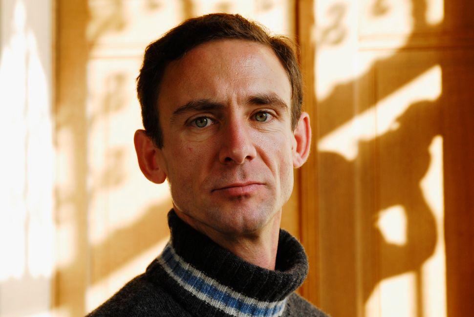 American author Chuck Palaniuk.
