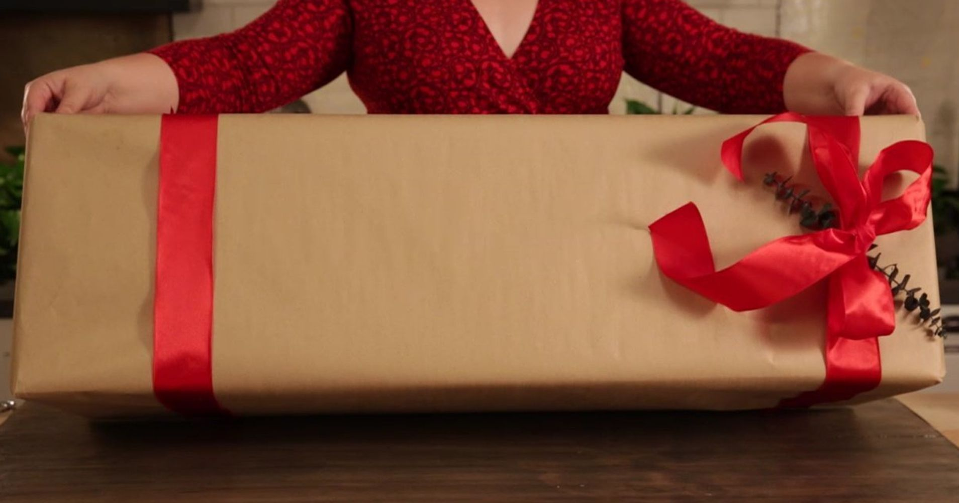How To Wrap Oversized Gifts So They Look Sophisticated Not Sloppy
