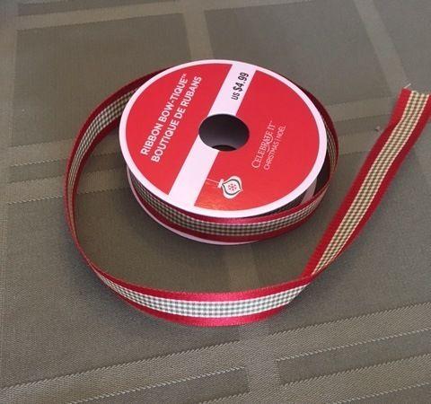 <p>One spool of Festive Ribbon</p>
